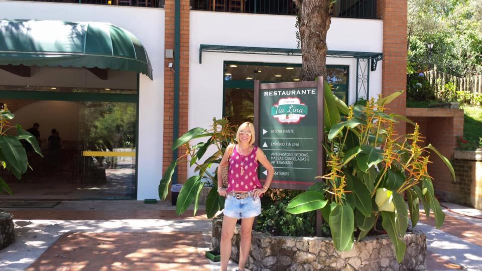 Logo na entrada, ao lado fica a lojinha de doces típicos italianos