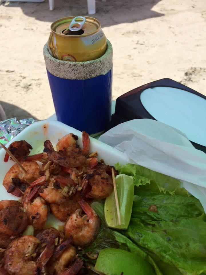 Praia e sol, combina com uma porção e cervejinha! Impossível resistir! Restaurante fica para a próxima!