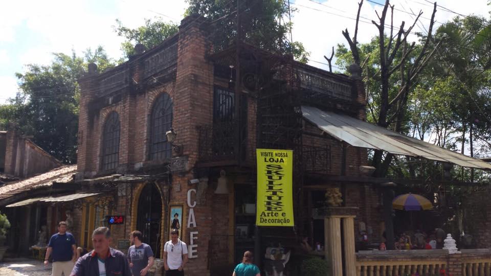 Parte da fachada do complexo O Velhão
