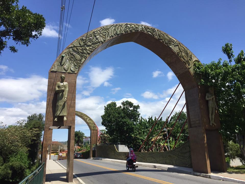 A entrada da charmosa cidade de Guararema