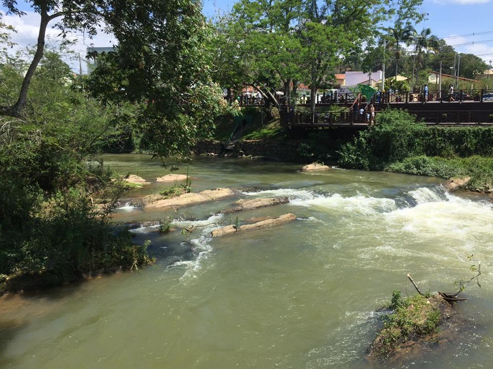 O Rio Paraíba, que atravessa a cidade