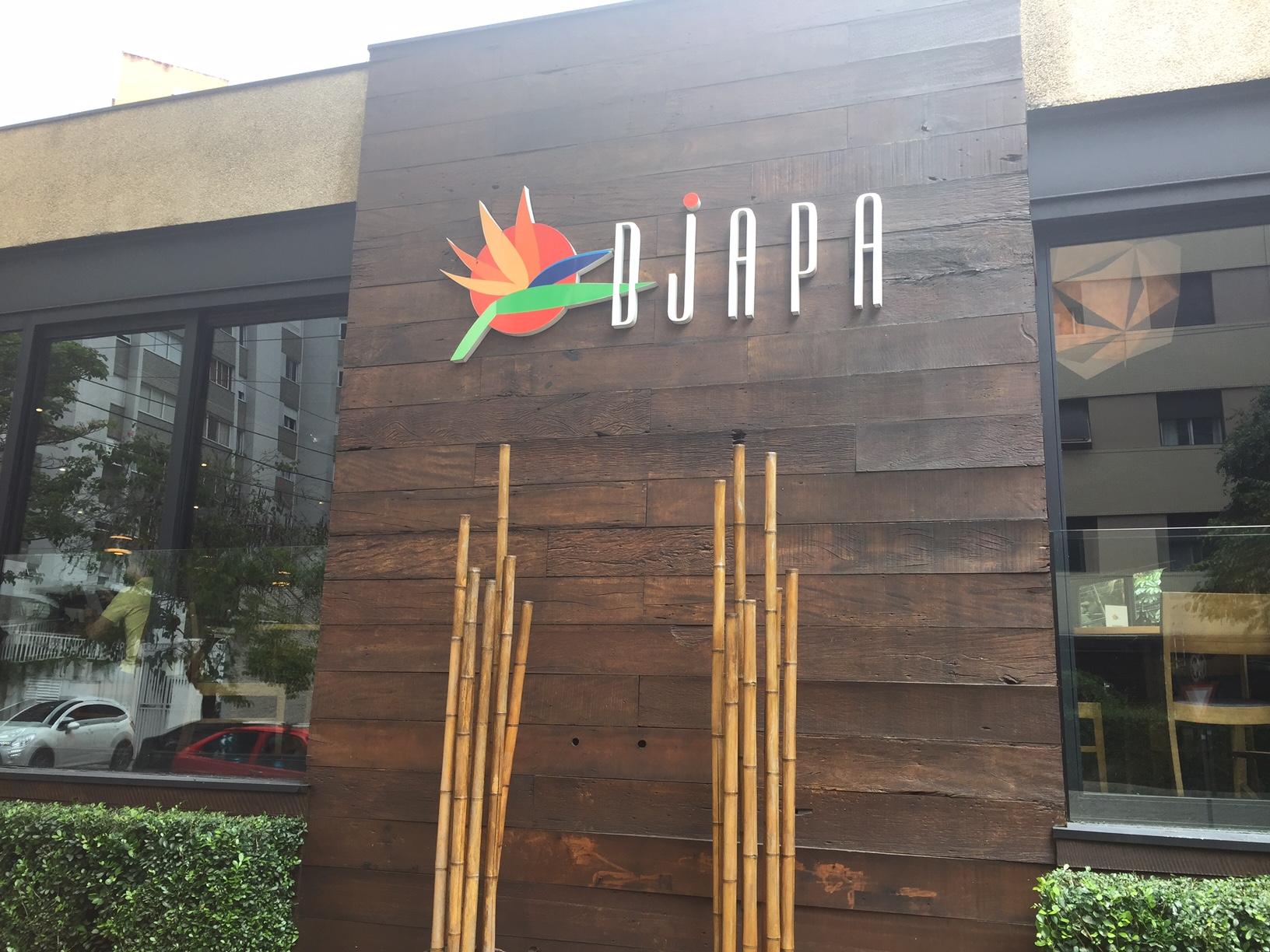 A entrada do restaurante