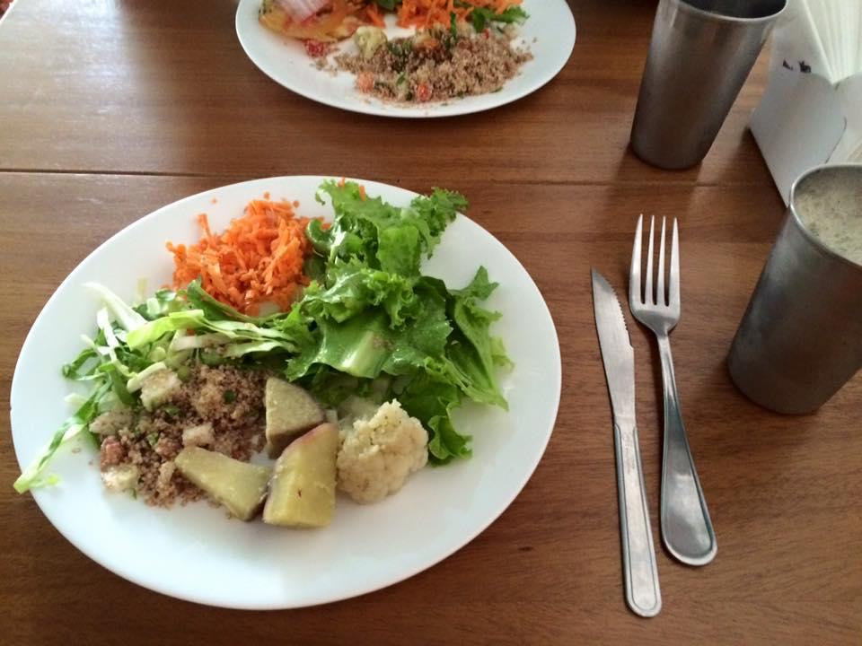 Pratinho de salada, colorido e saudável!