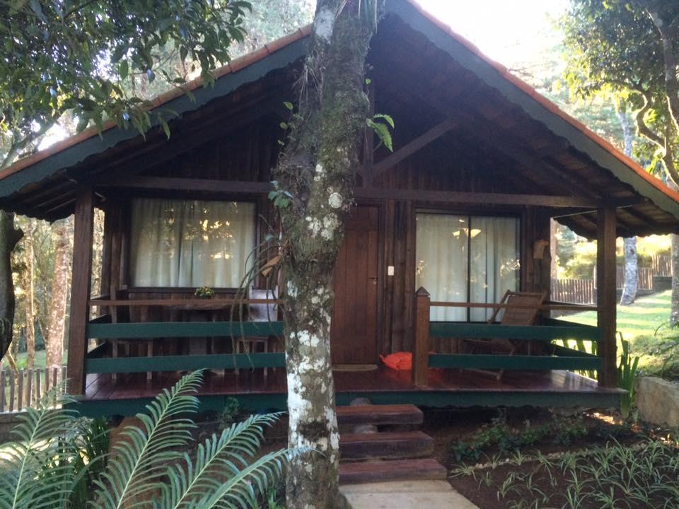 Cabana com lareira e ofurô, rústica e muito confortável!