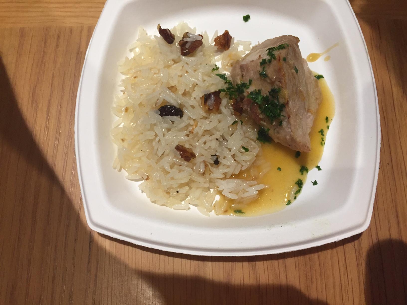 Também do La Carne: pernil suíno e arros com passas e nozes