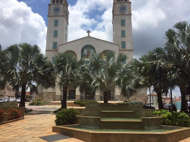 A Igreja é bem imponente