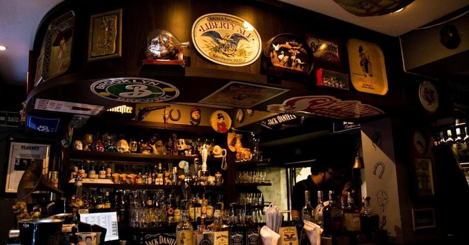 O bar é muito bem abastecido e diversificado. Foto divulgação do site
