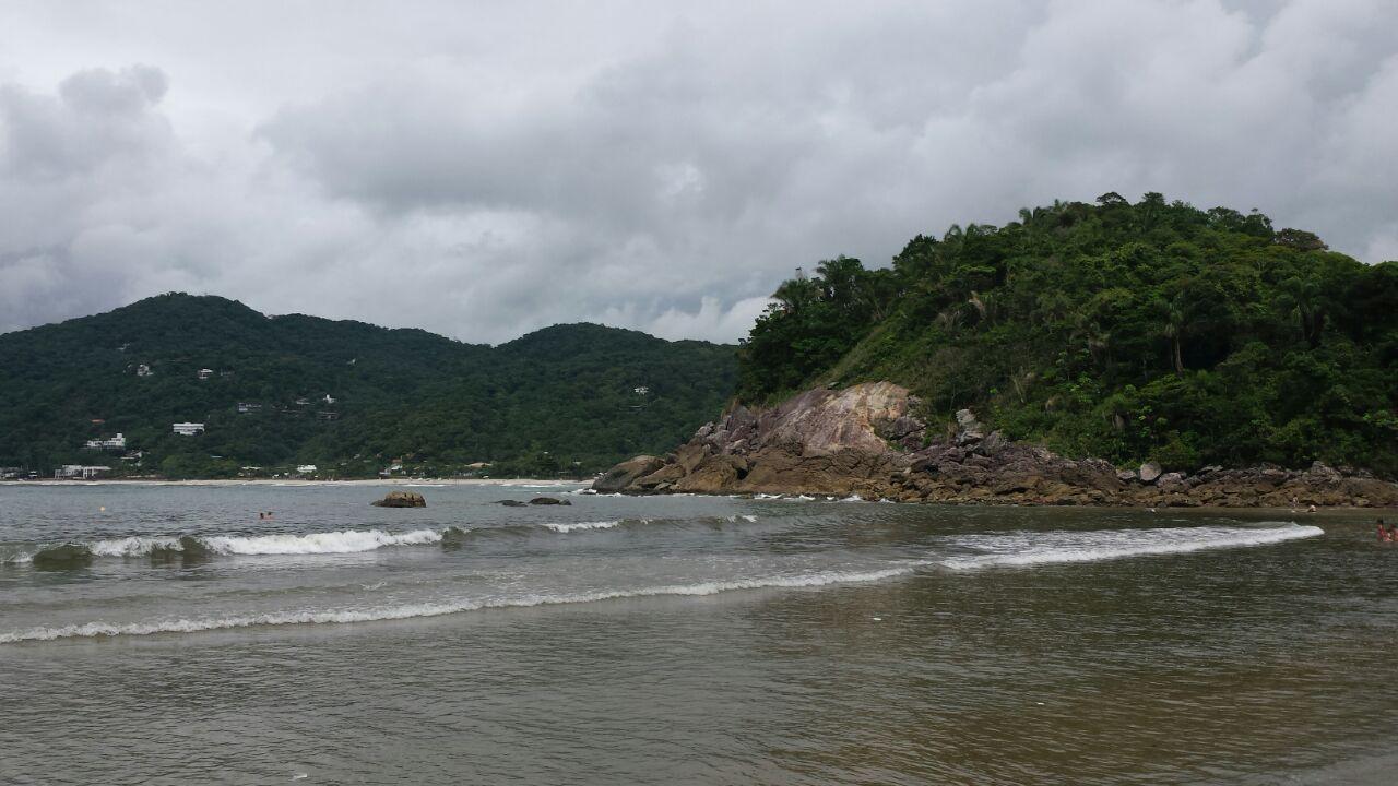 Mar calmo, com poucas ondas e água super limpa!