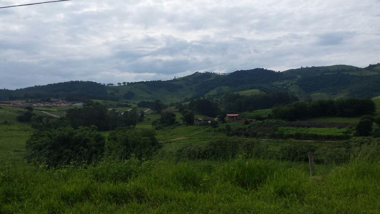 A cidade proporciona linda vista, de muito verde!
