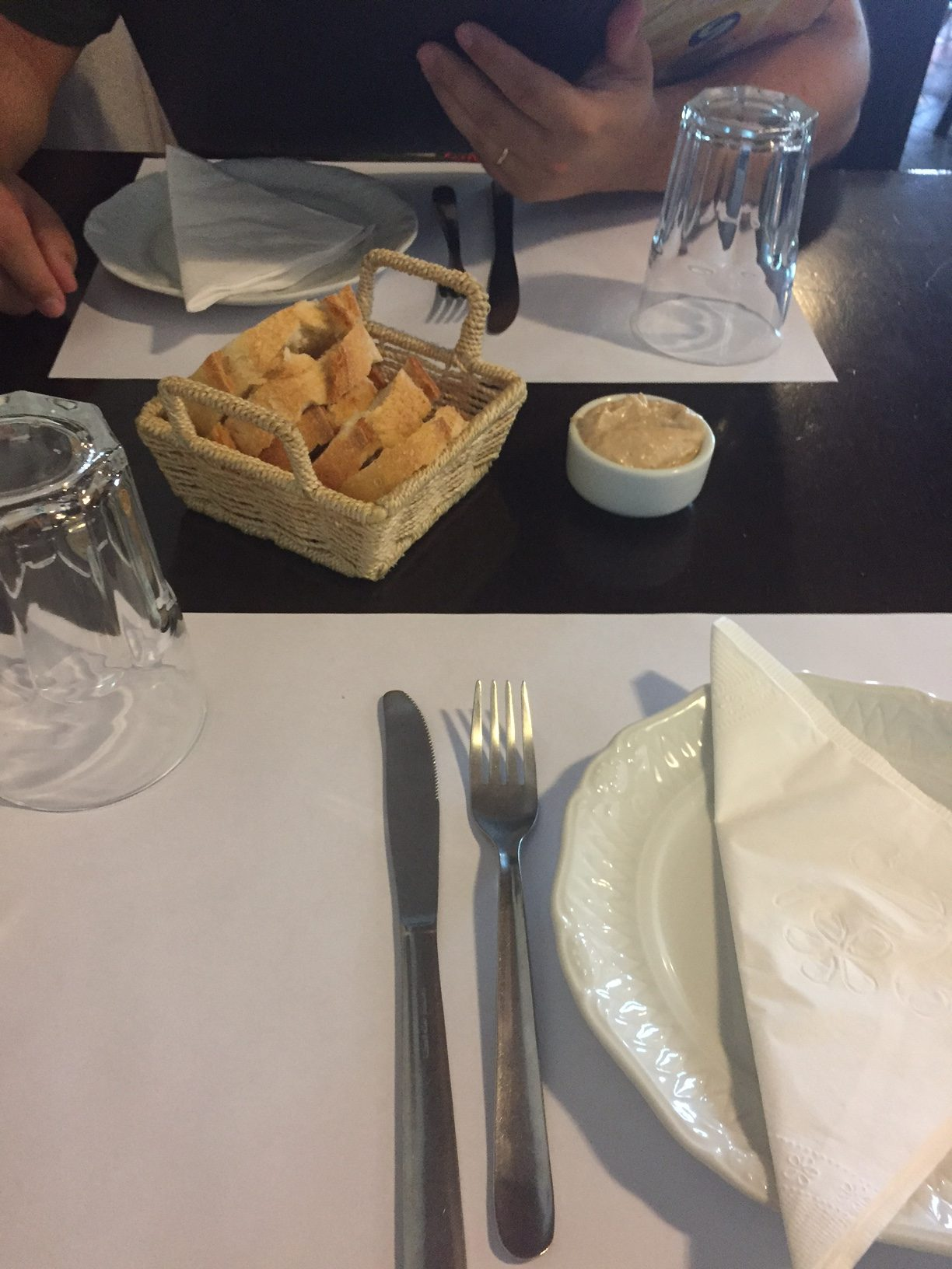 No almoço executivo, durante a semana, o courvet...